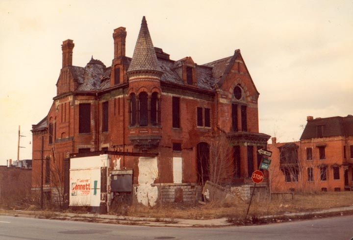 Detroit can be so depressing 2 points 4 honesty for Building a home in michigan